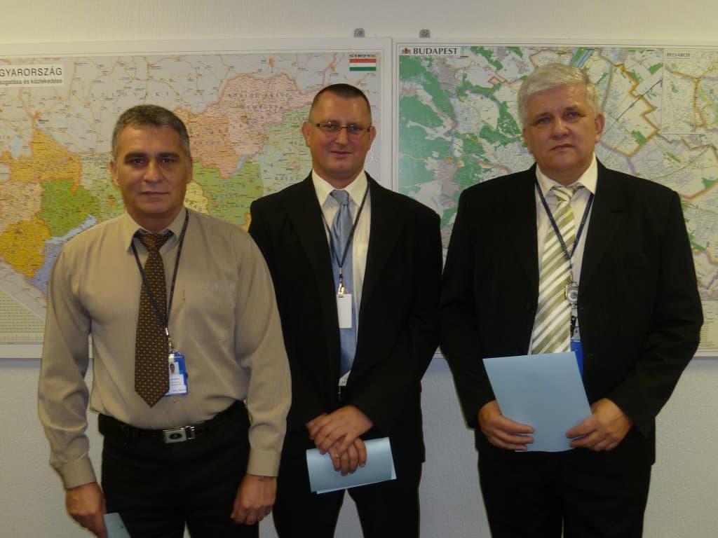 Latorovszky Mihály, jőrőrparancsnok,Simon István őrparancsnok-helyettes és Bogdán László gépkocsizó járőr életet mentettek a Duna parton. A vállalat vezérigazgatója dicséretben és pénzjutalomban részesítette őket 2012-ben.